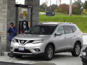 2014 Nissan Rogue SV AWD 7 seat Family package