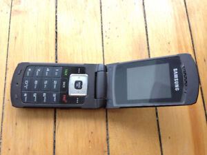 SAMSUNG - SPH-M320 Flip Phone - Bell Mobility (locked)