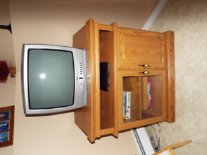 Solid oak TV Stand with hidden safe and 2 keys