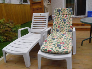 PVC LOUNGERS WITH CUSHIONS