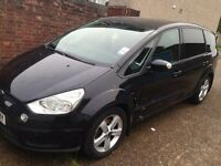 7 seater ford Smax in black