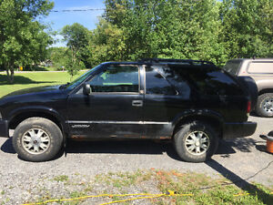 2002 GMC Jimmy Black Coupe (2 door)