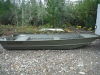 BRAND NEW NEVER USED LOWE 16ft. Flat bottom Boat