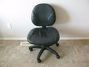 Must Sell Swivel Chair *Up/Down*