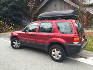***PRICED TO SELL*** 2004 Ford Escape SUV, Crossover