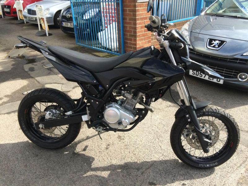 Yamaha Wr 125 R Supermoto Black 09 Reg Arrow Can 1800 border=