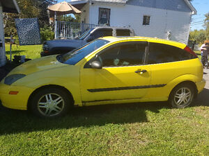 2004 Ford Escape Yellow Hatchback