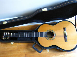 Classical (acoustic) guitar & hardshell case for sale