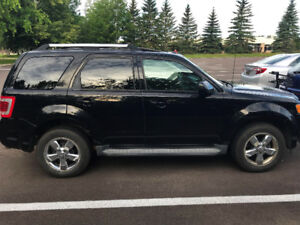 Limited Edition 2010 Ford Escape - Low Km- AWD V6