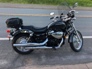 Honda Shadow RS 750 - Excellent condition - One owner