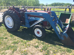 International B414 Diesel Acreage tractor