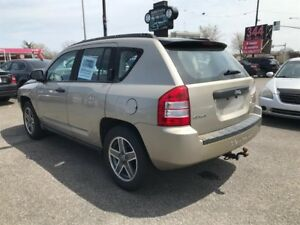 Jeep Compass 4WD-Automatic-4 Cyl-Mags-Jamais Accidenter 2010