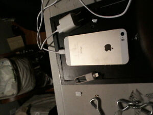 iPhone 5gold good condition