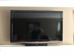 """SHARP LC-52E77UN 52""""  1080p LCD TV"""