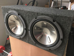 2 Subwoofers in enclosure and Rockford Fosgate Amp