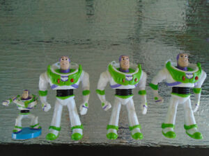 4 personnages Buzz lightyear / sac à dos toys story