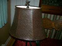 Newfoundland Moose table lamp with shade, works fine