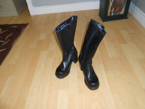 Ladies Black Leather Boots Nearly New
