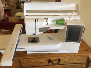 HUSQVARNA RUBY DELUXE Sewing/ Embroidery machine