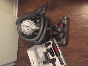 Canister vacuum cleaner - dyson