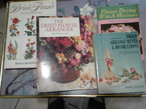 Lot of 4 Dried Flower Arrangement Books With Various Methods