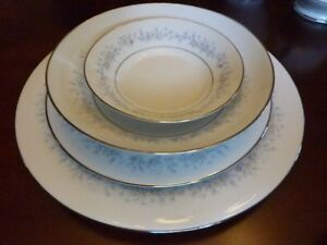 Noritake Marywood  8 complete place settings and Serving Set