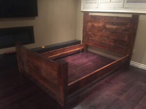 Reclaimed Pine Bed - Queen
