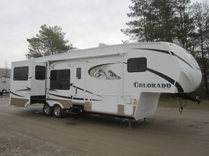 2011 Dutchmen Colorado 310 RG 5TH Wheel **Unique Floorplan!**