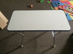 Fold up boat deck table