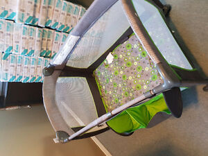Portable Baby Suite 300 Play yard