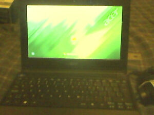 "Used Acer Aspire One Netbook (AO521) 9"" inc Screen"