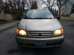 2001 Toyots sienna in Great condition!