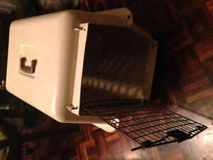 Heavy duty plastic, animal crate/carrier London Ontario image 1