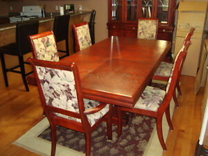 Dinning Room Table and Hutch (Located in Trenton Ontario) Kingston Kingston Area image 5