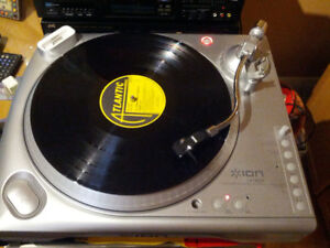 ION Audio LPDOCK USB Turntable with iPod Dock Recording