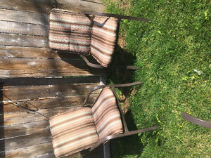 Bistro set with cushions