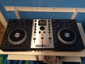 Numark Mixdeck DJ board