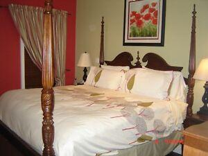 4 Post Cherry Bedroom Set de Chambre 4 Colone Cerisier de Luxe West Island Greater Montréal image 4
