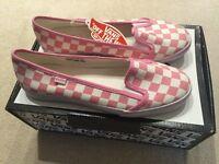 Vans shoes/pumps size 4