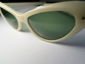 RETRO Cool Ray Poloroid Sunglasses  (VIEW OTHER ADS)) Kitchener / Waterloo Kitchener Area image 6