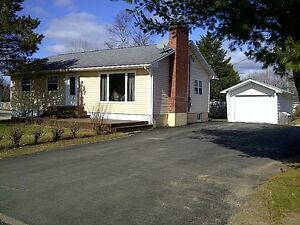 Bungalow with garage for sale in Sussex Corner, NB