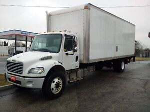 2007 Freightliner M2 Automatic 26' Straight Truck Pre Emission