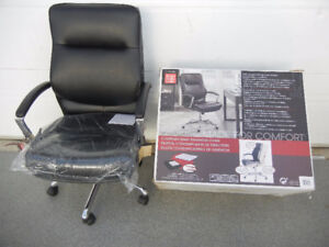 Chaise cuir bureau travail ordinateur,téléphone,meuble bois