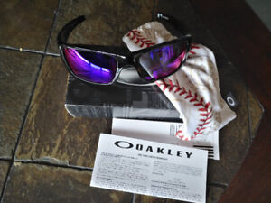 New Oakley 9096-B1 60 MLB Collection Baseball Sunglasses