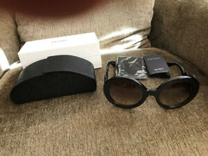 BRAND NEW PRADA WOMENS SUNGLASSES