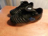 Boys size 11T soccer shoes