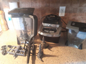 Ninja Kitchen System 1200 Blender with attachments