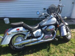 2013 Honda Shadow Aero  ONLY 250 KM EXCELLENT CONDITION