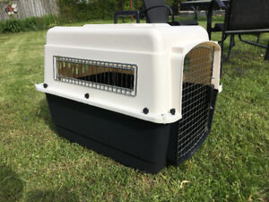 Medium size dog carrier / kennel / crate
