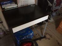 Small desk make up storage